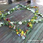 Unione del femminile (fiori bianchi) e del maschile (fiori colorati)